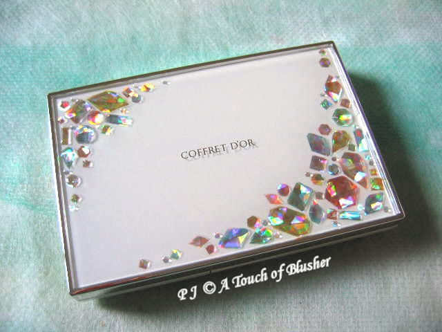 Kanebo Coffret D'Or Spring Summer 2010 Powder Foundation Case 1