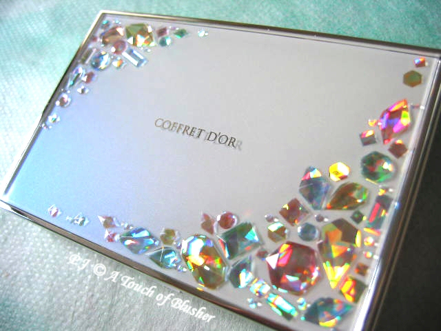 Kanebo Coffret D'Or Spring Summer 2010 Powder Foundation Case 2