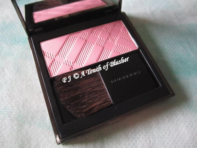 Burberry Light Glow 04 Peony Blush 1