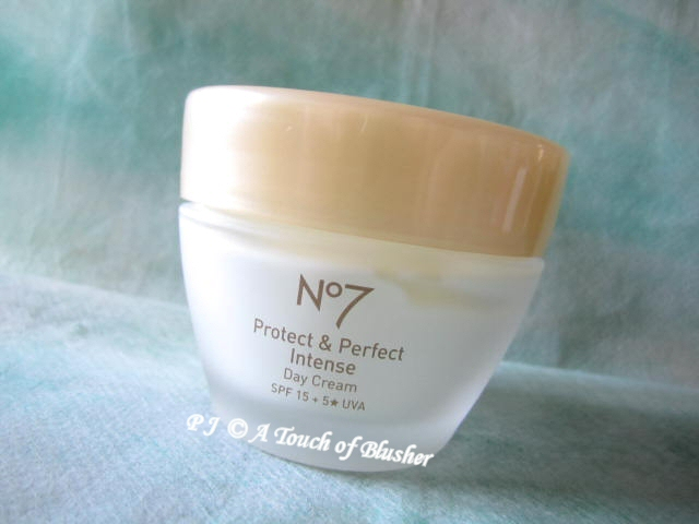 Boots No 7 Protect & Perfect Intense Day Cream SPF 15 5 Star UVA 1