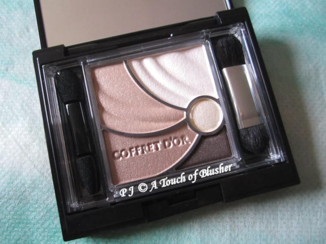Kanebo Coffret d'Or Wide Gradation Eyes 04 Deep Brown Spring 2012 Makeup 1