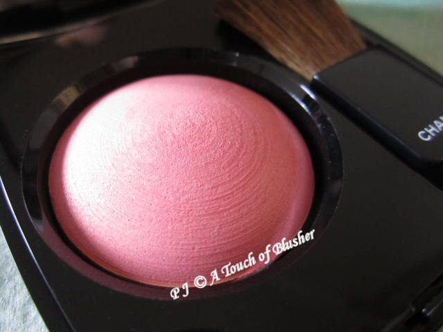 Chanel Joues Contraste 72 Rose Initiale Fall 2012 Makeup 1