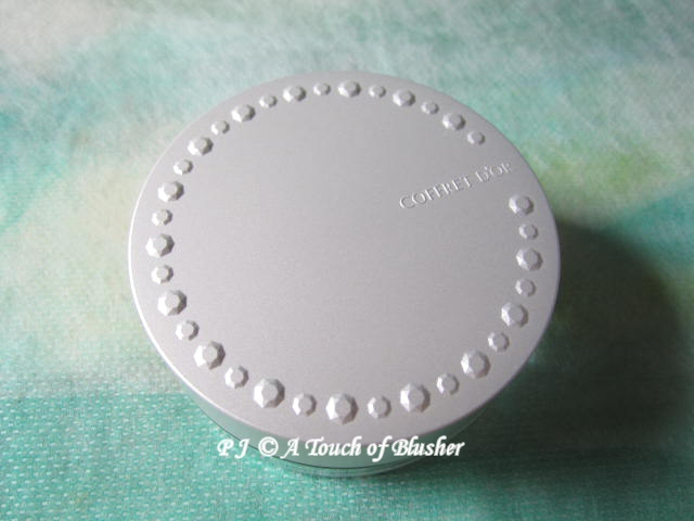 Kanebo Coffret d'Or Cover Clear Finish UV SPF18 PA++ Spring Summer 2011 Base Makeup 1