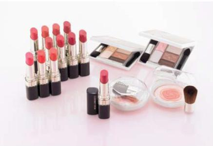 Kanebo Coffret d'Or Spring 2013 Makeup 1