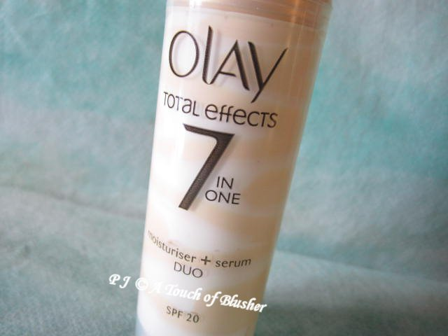 Olay Total Effects Moisturiser Serum Duo SPF 20 1