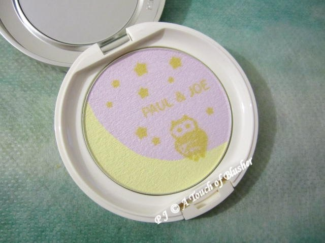 Paul and Joe Pressed Powder T 001 Twinkle Twinkle Little Star Holiday 2014 Base Makeup 1