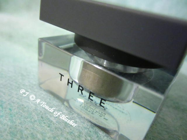 Three Shimmering Color Veil 35 Shadowland Fall 2012 Makeup 1