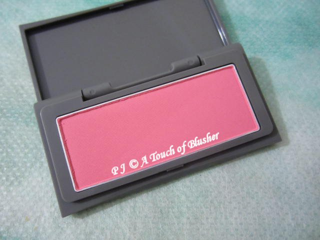 THREE Color Veil for Cheeks 11 Pink Dream Fall 2010 Makeup 1