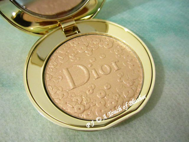 Dior Diorific Splendor Illuminating Pressed Powder 001 Holiday 2016 Base Makeup 1