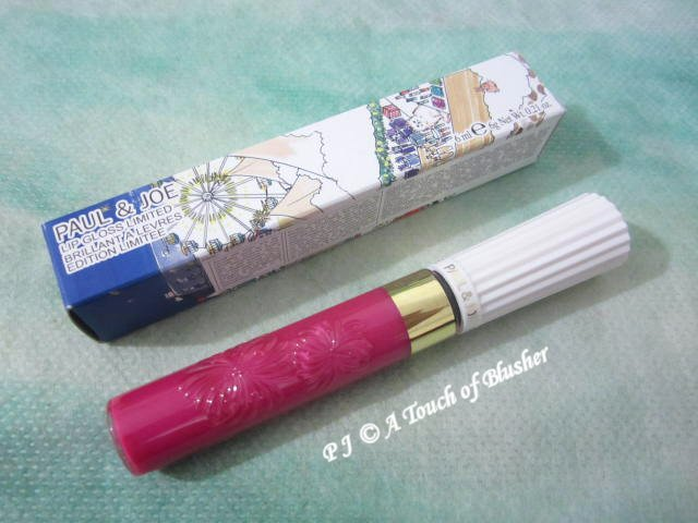 Paul and Joe Lip Gloss Limited 003 Confectionery Sugar Holiday 2016 Makeup 1