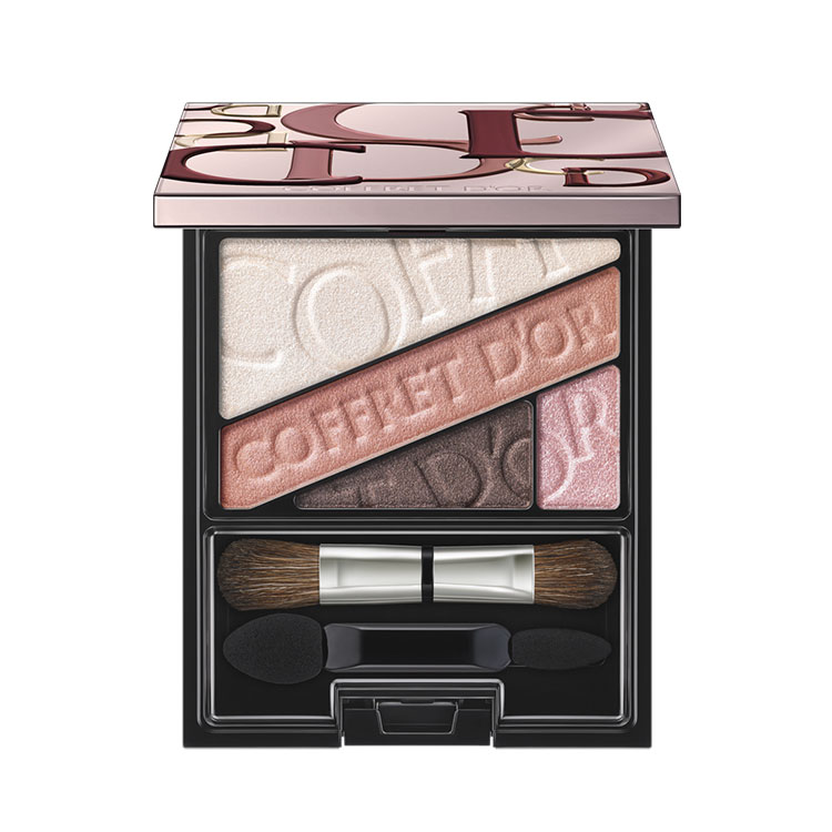 Kanebo Coffret d'Or Holiday 2017 Makeup 2