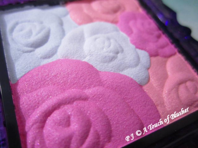 Anna Sui Rose Cheek Color N 01 Holiday 2015 Makeup 2